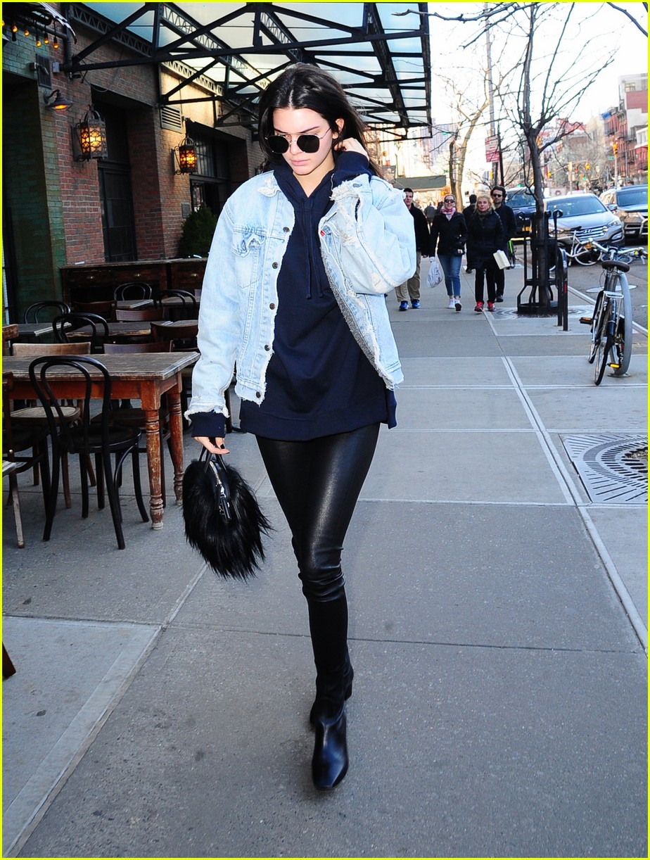 kendall jenner literal parazzi run in 233617027