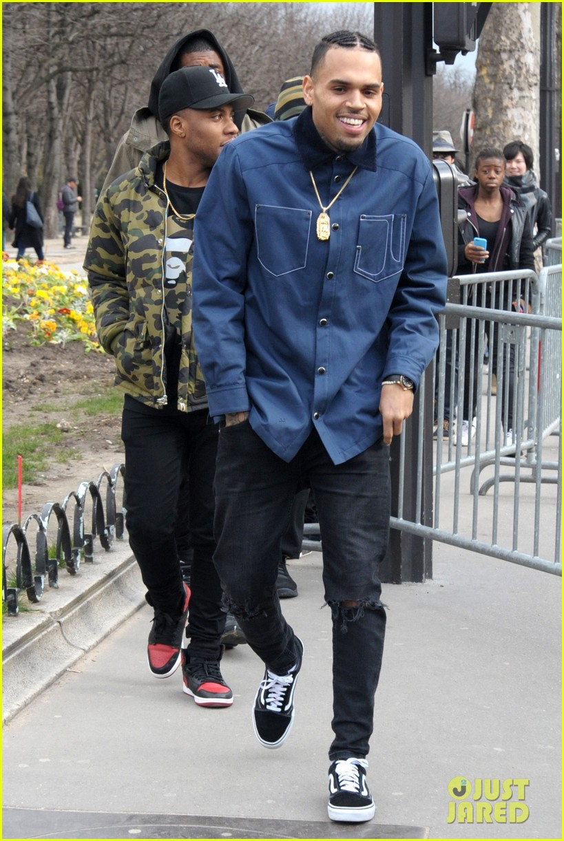 1bd0bed320bf51 Chris Brown - Attending the Paris Fashion Week on