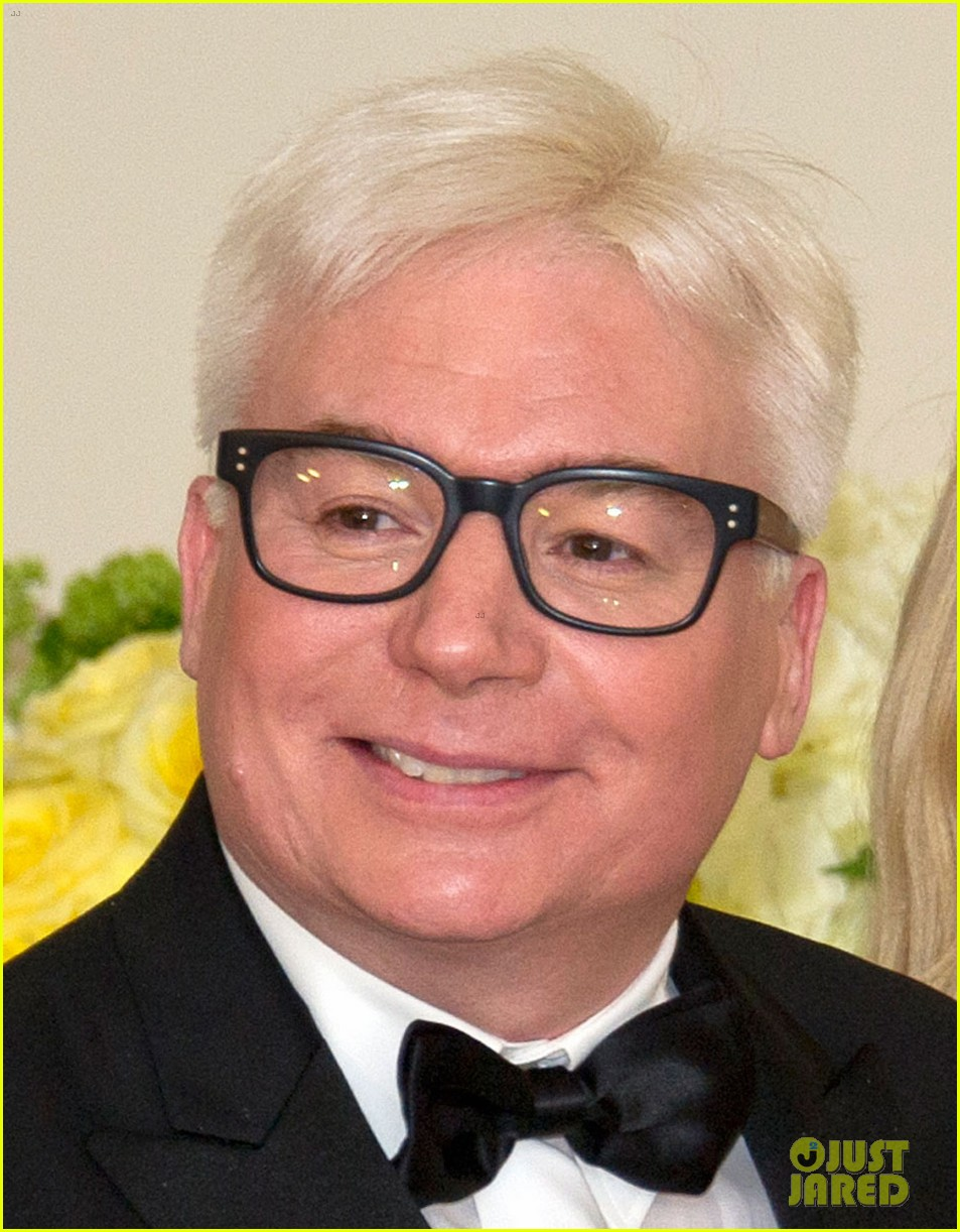 Mike Myers Debuts New Gray Hair at the White House: Photo
