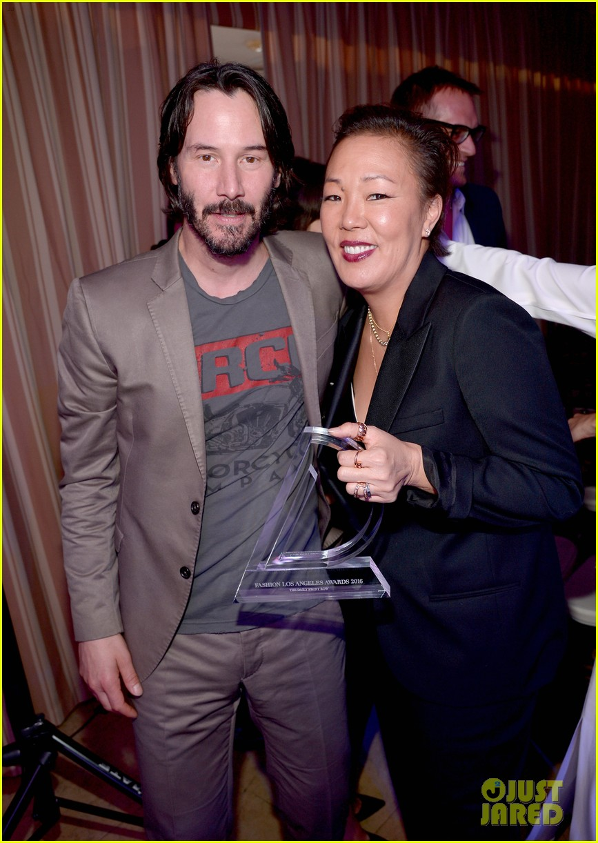 keanu reeves jeanne yang daily front row awards 133611121