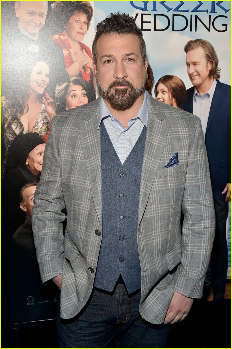Nia Vardalos Joins Tom Hanks & Rita Wilson For \'My Big Fat Greek ...