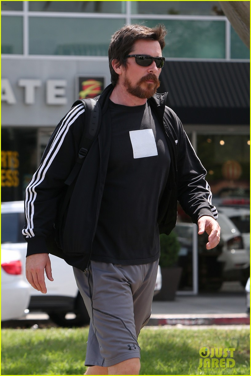 christian bale steps out in his workout gear for a meeting 043632300