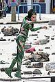 elizabeth banks films stunts as rita repulsa 13
