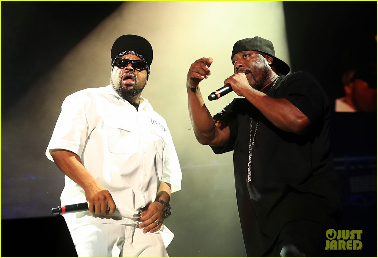 ice cube has a mini nwa reunion at coachella 2016 013633652