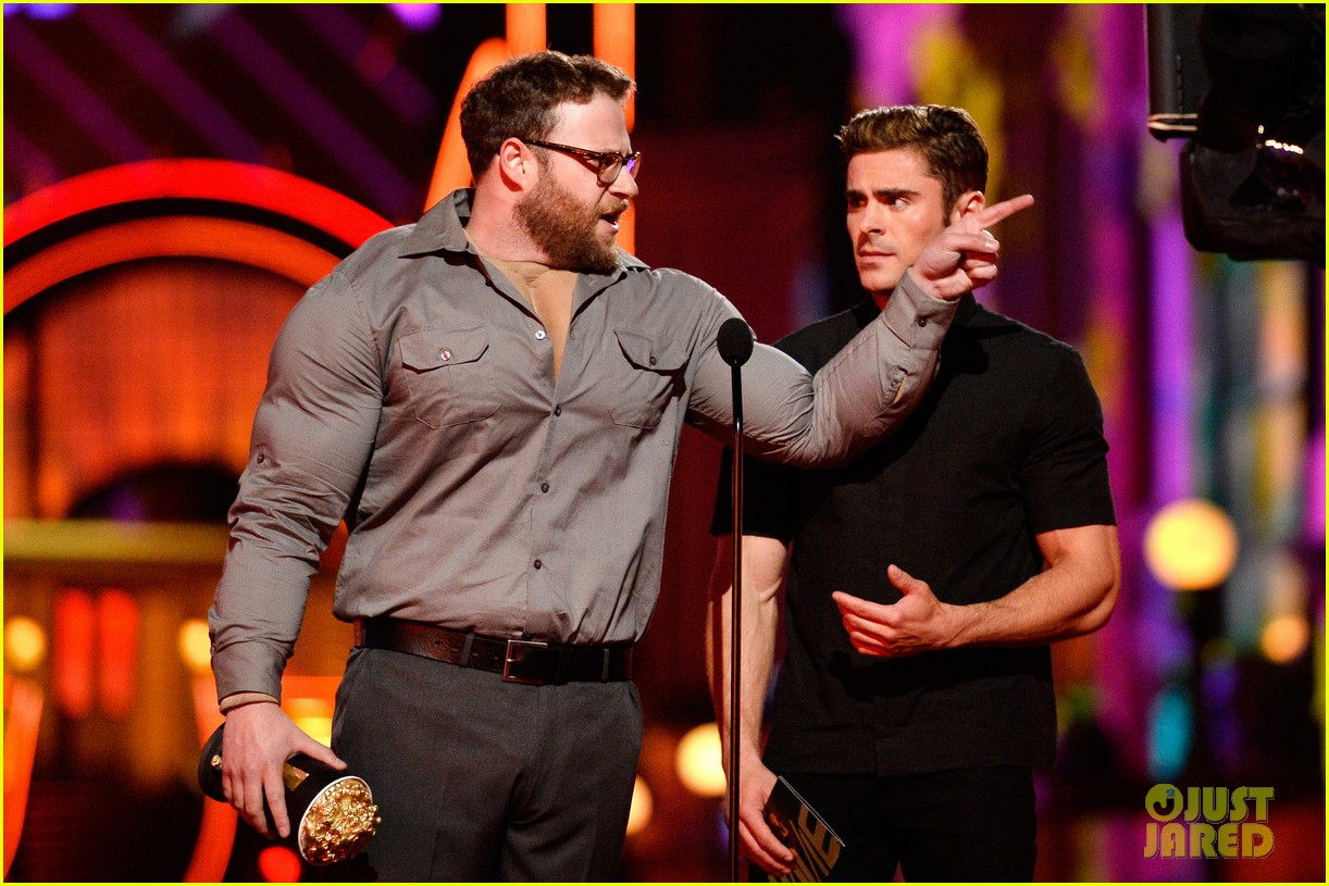 Full Sized Photo of zac efron apologizes seth rogen mtv ... Zac Efron Movies