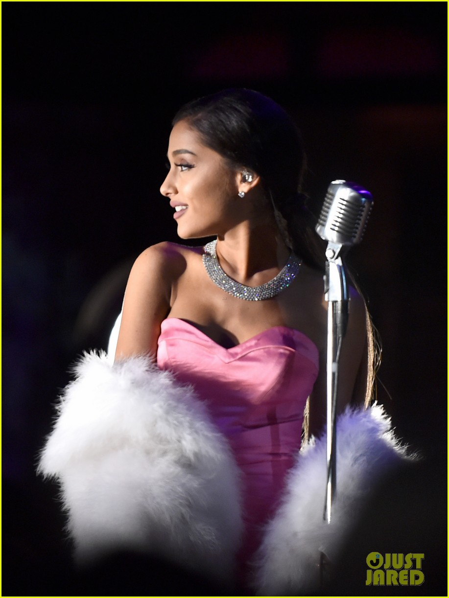 ariana grande 39 s mtv movie awards 2016 performance video watch now photo 3627600 2016 mtv. Black Bedroom Furniture Sets. Home Design Ideas