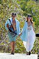 heidi klum strolls along the beach with boyfriend vito schnabel 22