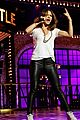 katharine mcphee lip syncs to jason derulo while battling him 01