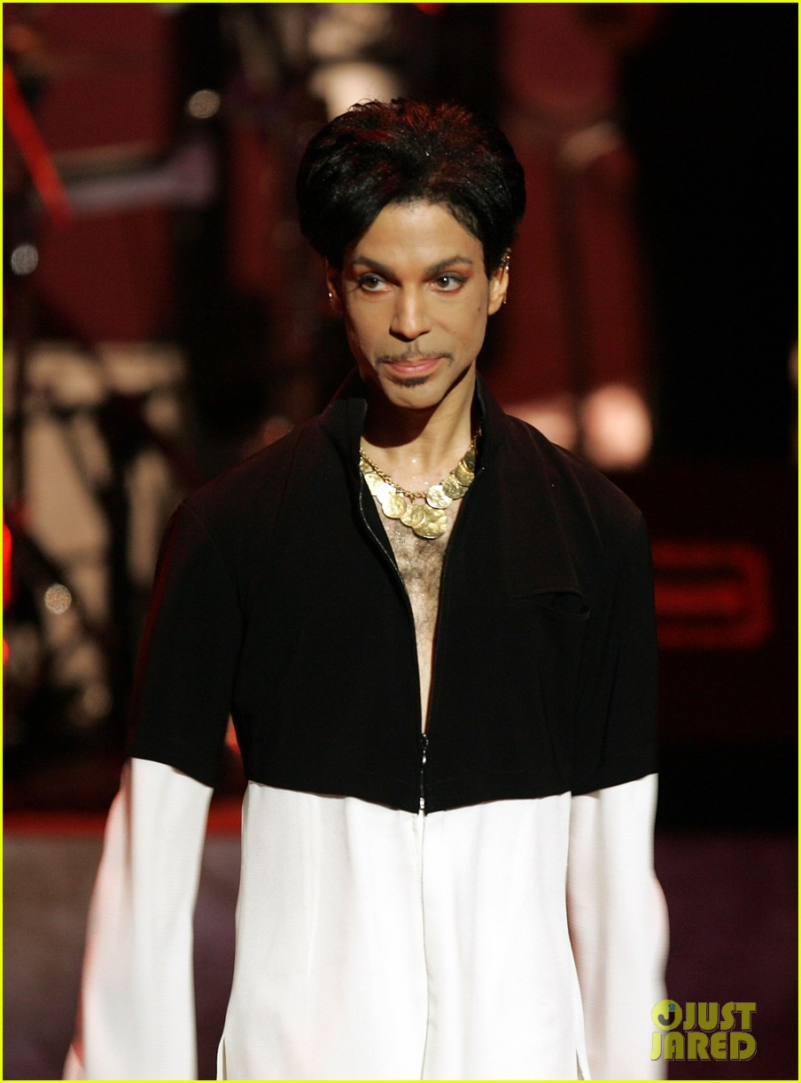 Prince dead legendary singer dies at 57 photo 3637061 prince rip