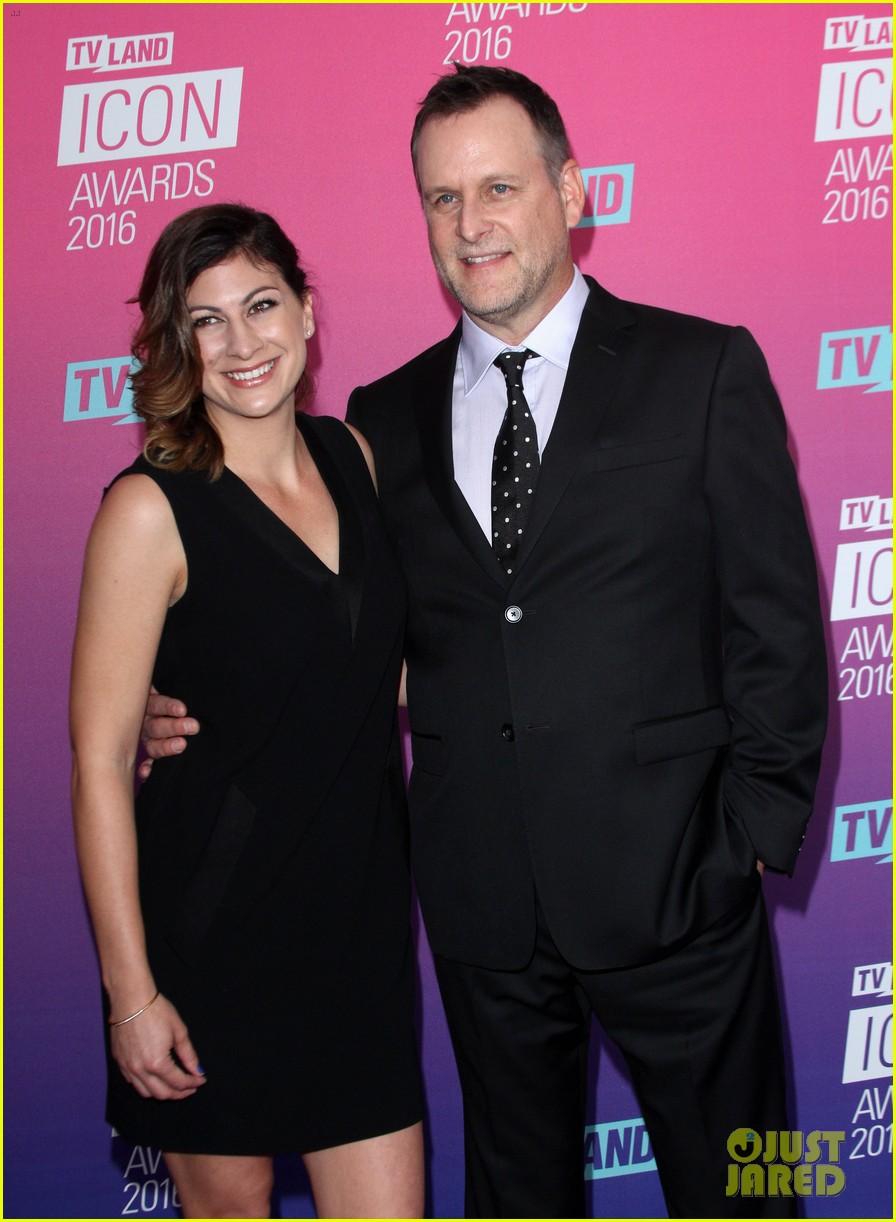 john stamos gets honored at tv land icon awards 2016 30