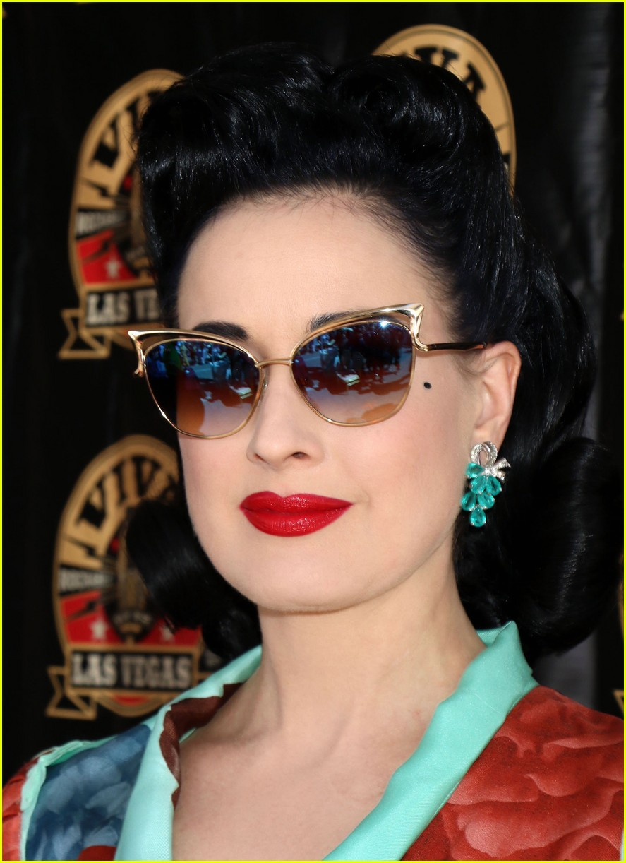 Dita Von Teese Brings Vintage Vibe To 39 Viva Las Vegas 39 Weekend Photo
