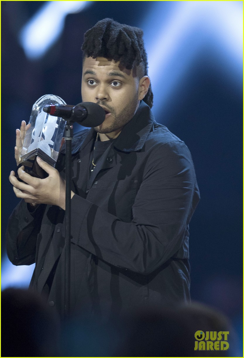 the weeknd wins artist of the year at juno awards 2016 performs medley watch here 033622284