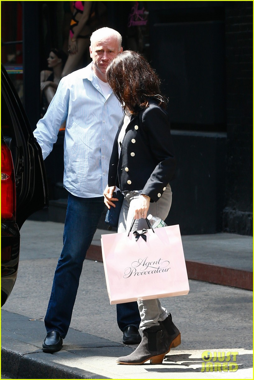 Rachel weisz does some shopping in new york city photo 3639329