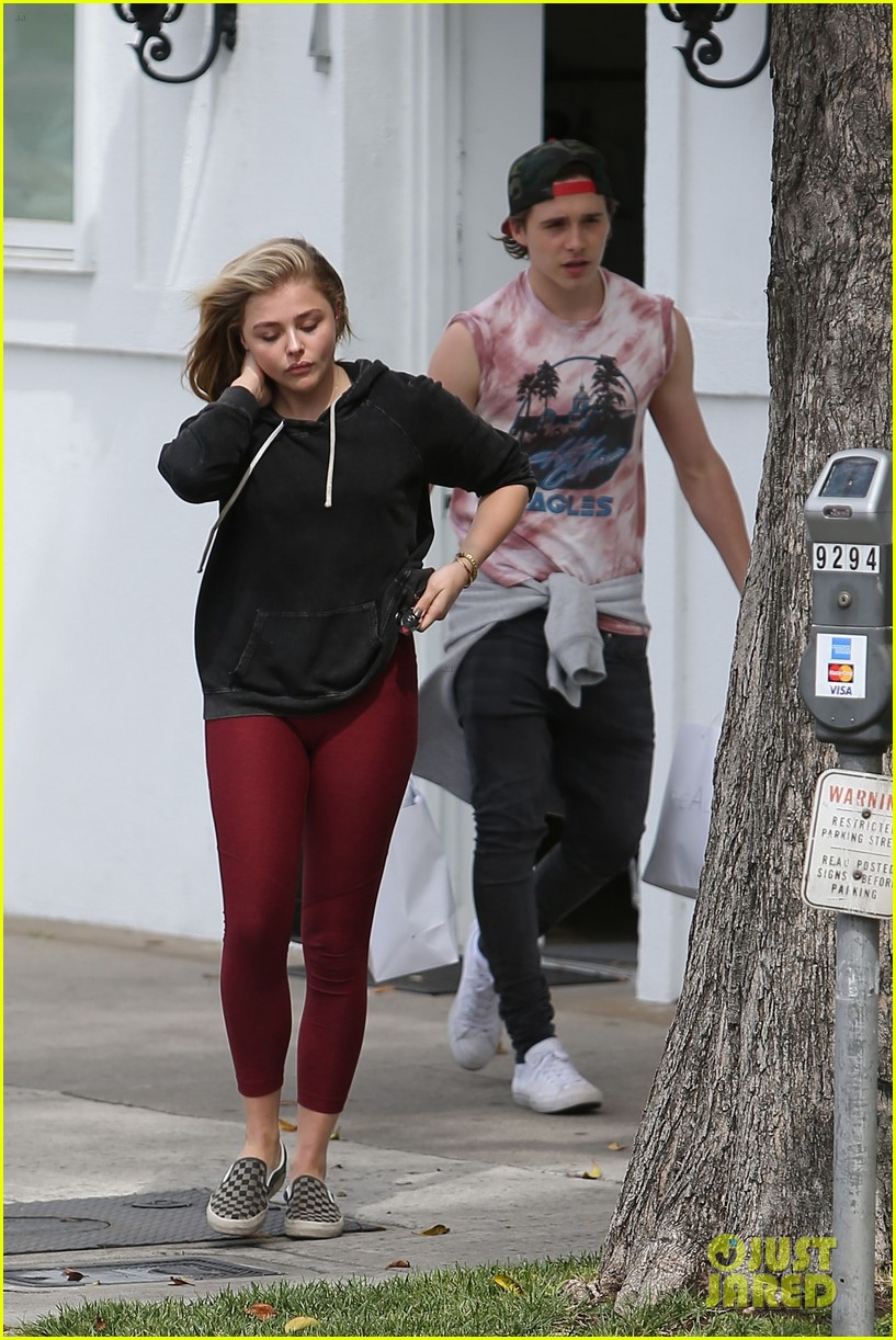 foto de Chloe Moretz Jumps For Joy While Out With Brooklyn Beckham: Photo ...