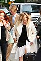 kaley cuoco steps out after finalizing divorce 08