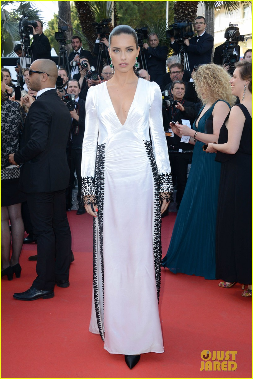 Adriana lima karlie kloss izabel goulart glam up julieta red adriana lima karlie kloss izabel goulart glam up julieta red carpet at cannes 2016 photo 3658755 2016 cannes film festival adriana lima thecheapjerseys Image collections