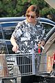 amy poehler stocks up on groceries before the weekend 04