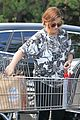amy poehler stocks up on groceries before the weekend 09