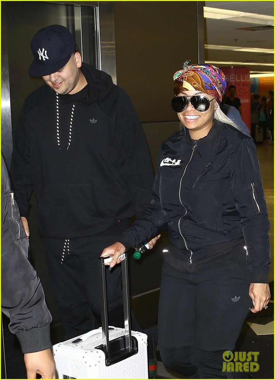 rob kardashian pregnant blac chyna miami airport 023653032