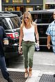jennifer aniston justin theroux keep busy in the big apple 11