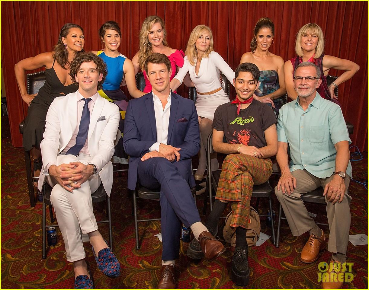 America Ferrera & 'Ugly Betty' Co-Stars Call for Reunion ...