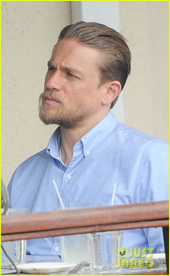 charlie hunnam hits the gym then cleans up for lunch 17