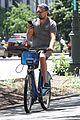 leonardo dicaprio citibikes in nyc 04