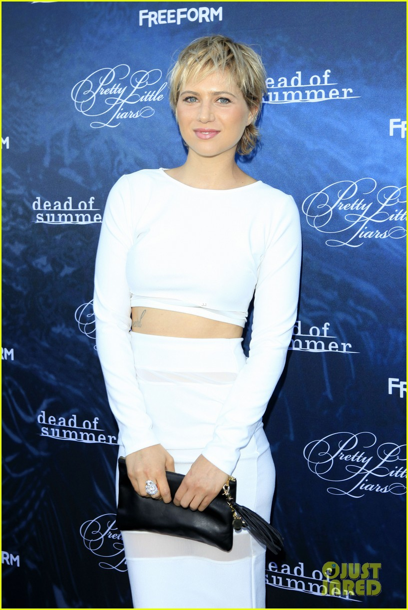 pretty little liars season seven premiere event 37