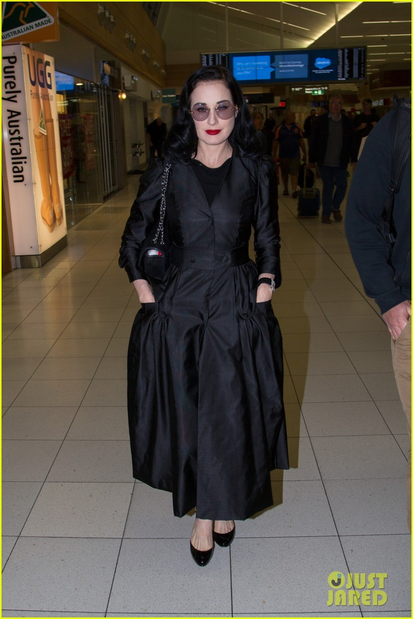 dita von teese channels old hollywood glam in australia 033690005