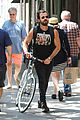 justin theroux steps out in a spring breakers movie t shirt 14
