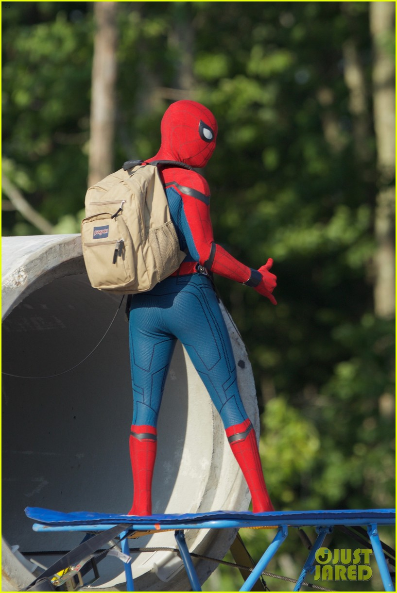 tom holland spider man costume first look set 08