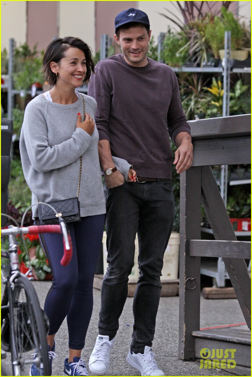 Jamie Dornan Grabs Takeout In Vancouver With Wife Amelia