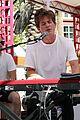 charlie puth go pool flamingo vegas performance 18