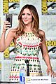 katharine mcphee goes to comic con brings dog wilma 02