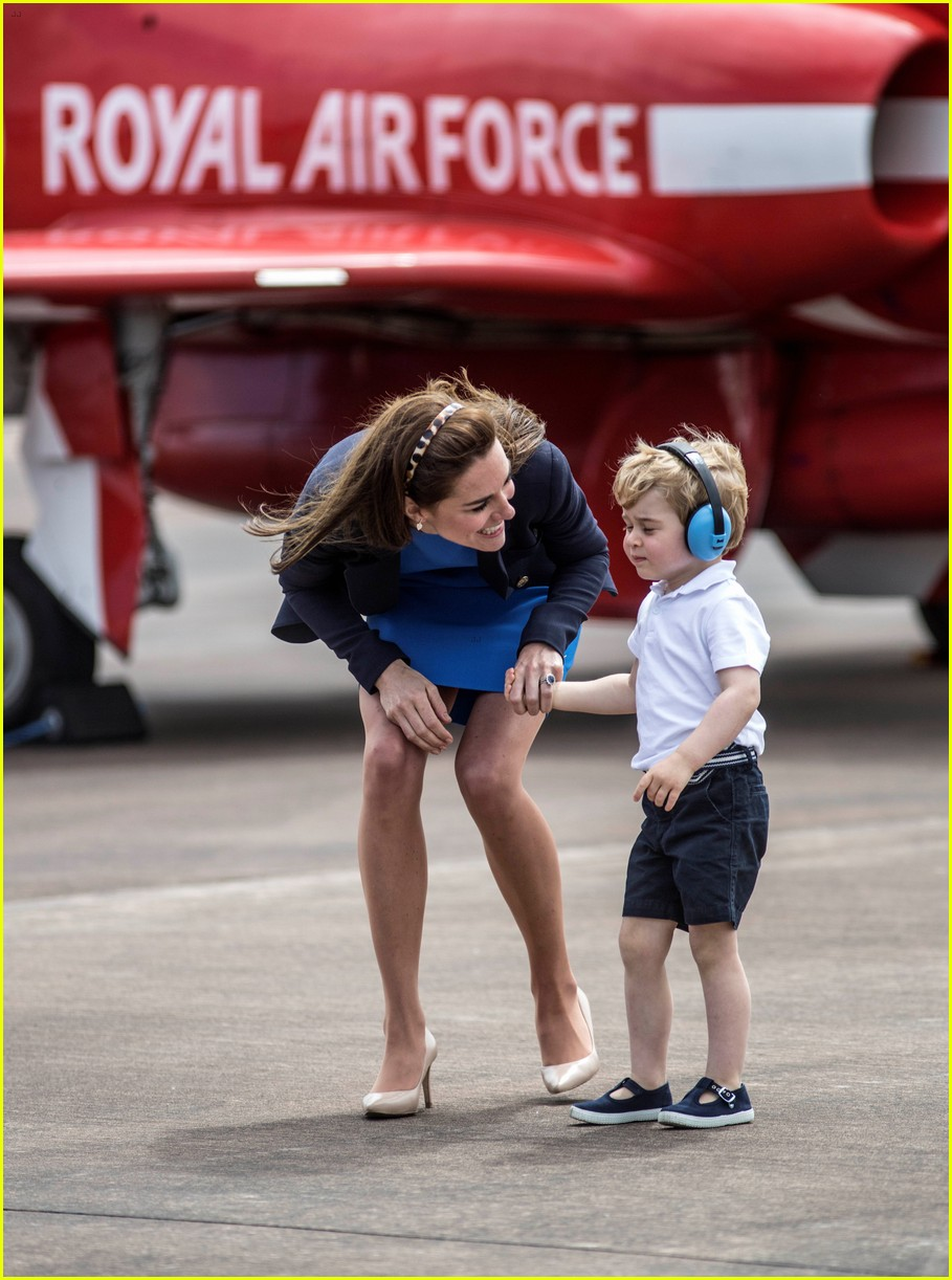Kate Middleton Amp Prince George Share Cute Moments At Royal Air Show Photo 3701500 Celebrity