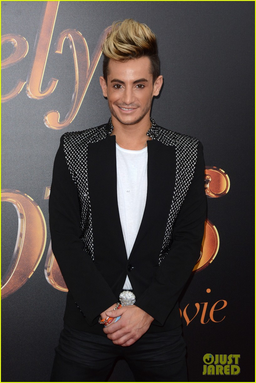 ... Daniel Franzese, David Blond, Eric Rutherford, Frankie Grande: www.justjared.com/photo-gallery/3710387/jennifer-saunders-joanna...