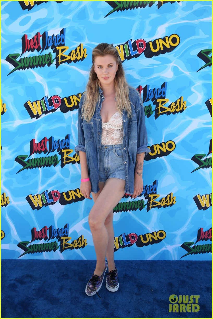 ireland baldwin boyfriend noah schweizer just jared summer bash 013734385