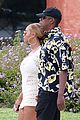 beyonce jay z hold hands boat italy 18