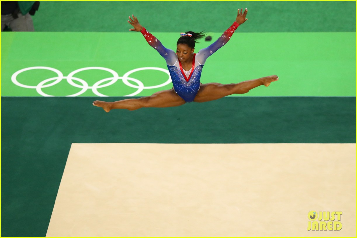 Watch Simone Biles Amp Aly Raisman S Floor Routines For
