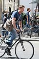gerard butler bikes in london 04
