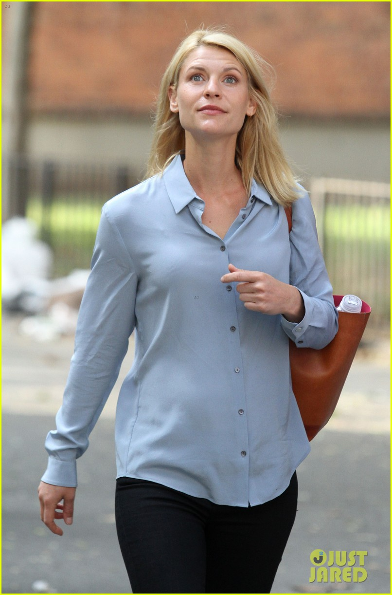 Full Sized Photo of claire danes continues homeland season ... Claire Danes
