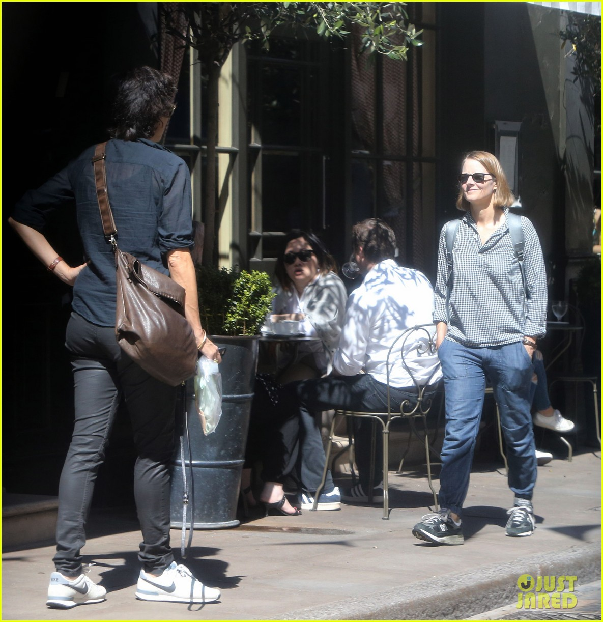 Jodie Foster cosies up to wife of two years Alexandra Hedison