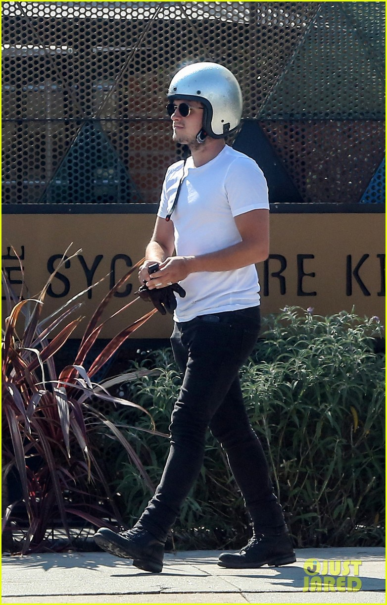josh hutcherson girlfriend claudia traisac ride around on his motorcycle00506mytext3743403