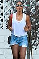 kelly rowland shows off her toned legs in short shorts01813