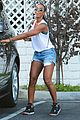 kelly rowland shows off her toned legs in short shorts02715