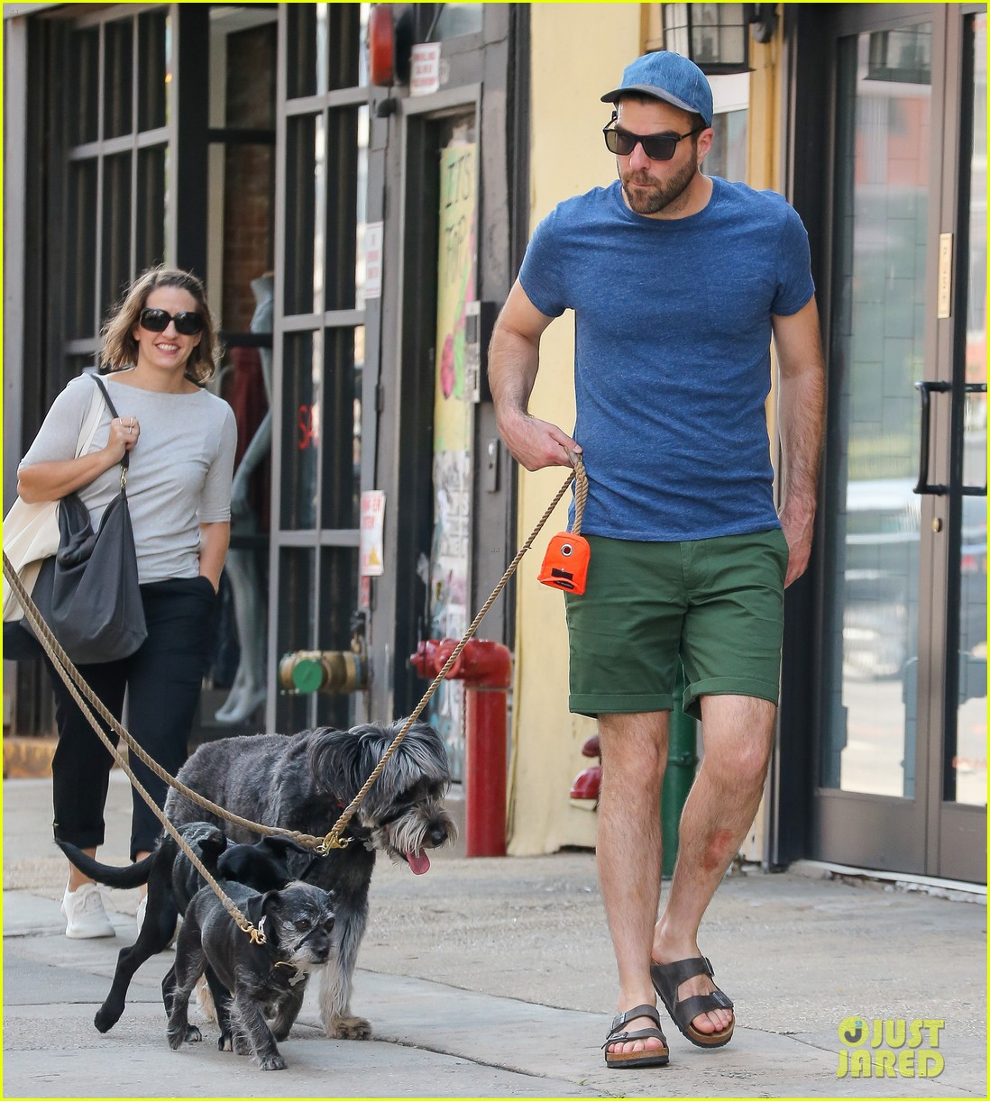 zachary quinto walks dogs nyc 013728747