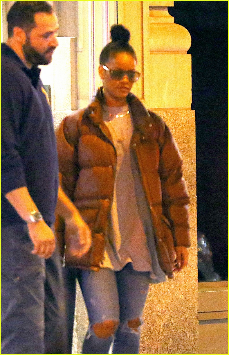 Full Sized Photo Of Rihanna Work Almost Went To Alicia Keys 02 Photo 3739839 Just Jared