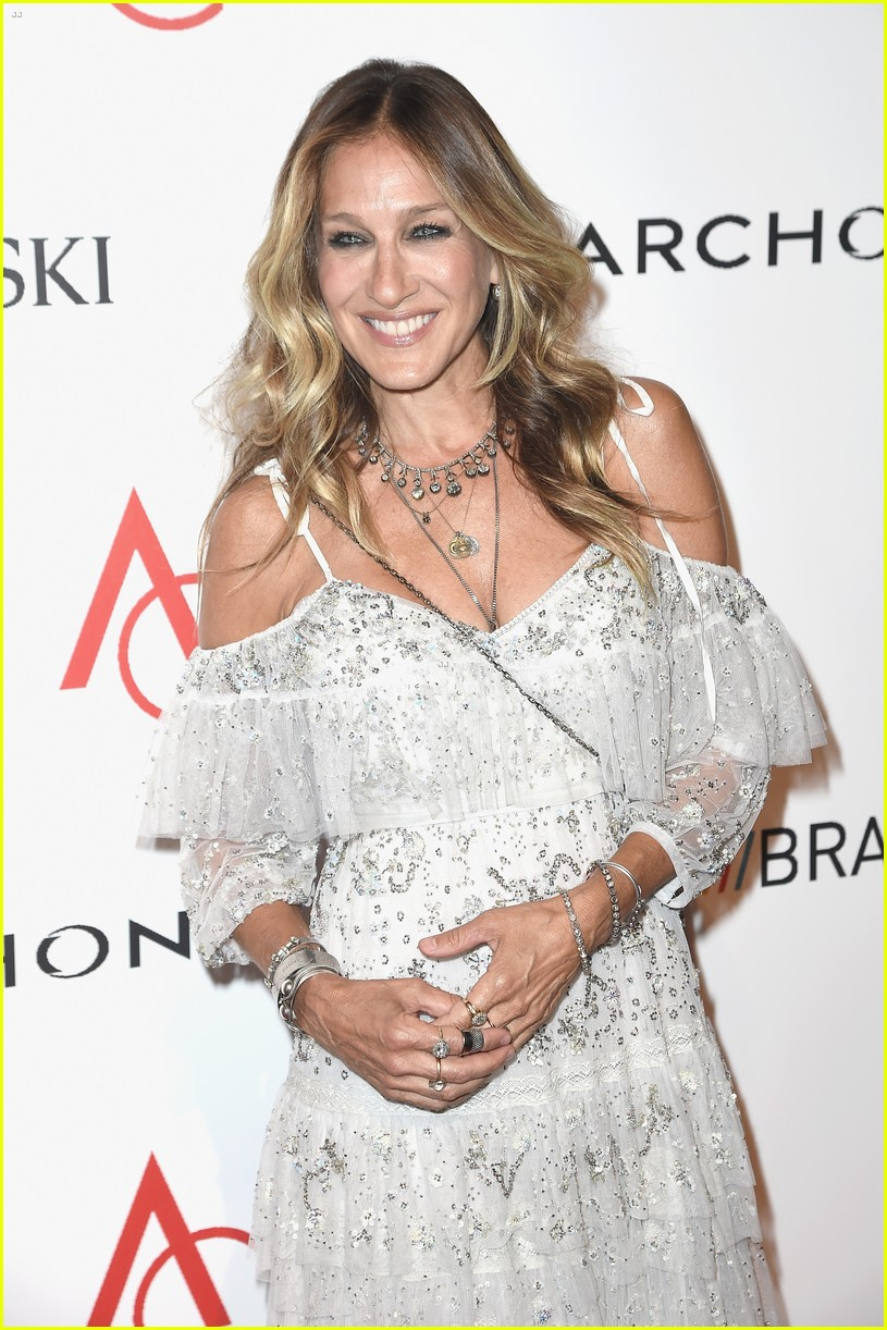posts sarah jessica parker paid have first kiss