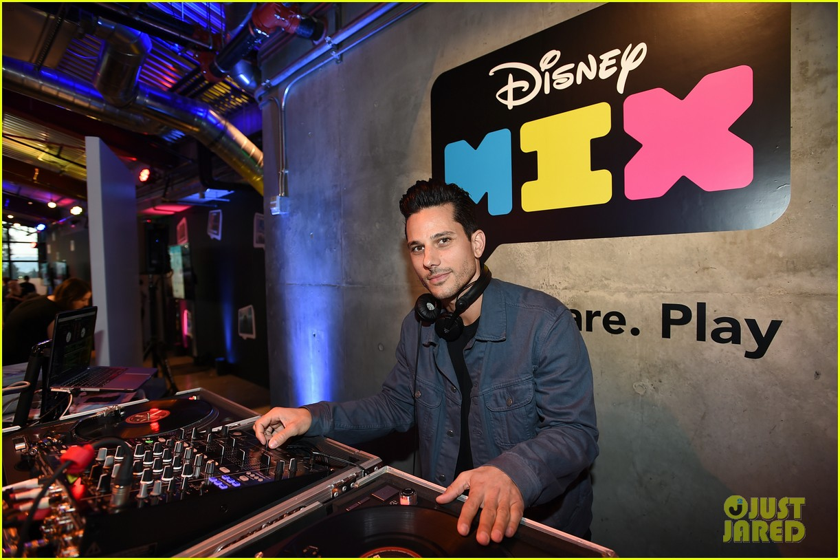 stuck in the middle cast just jared jr disney mix launch party 023738120