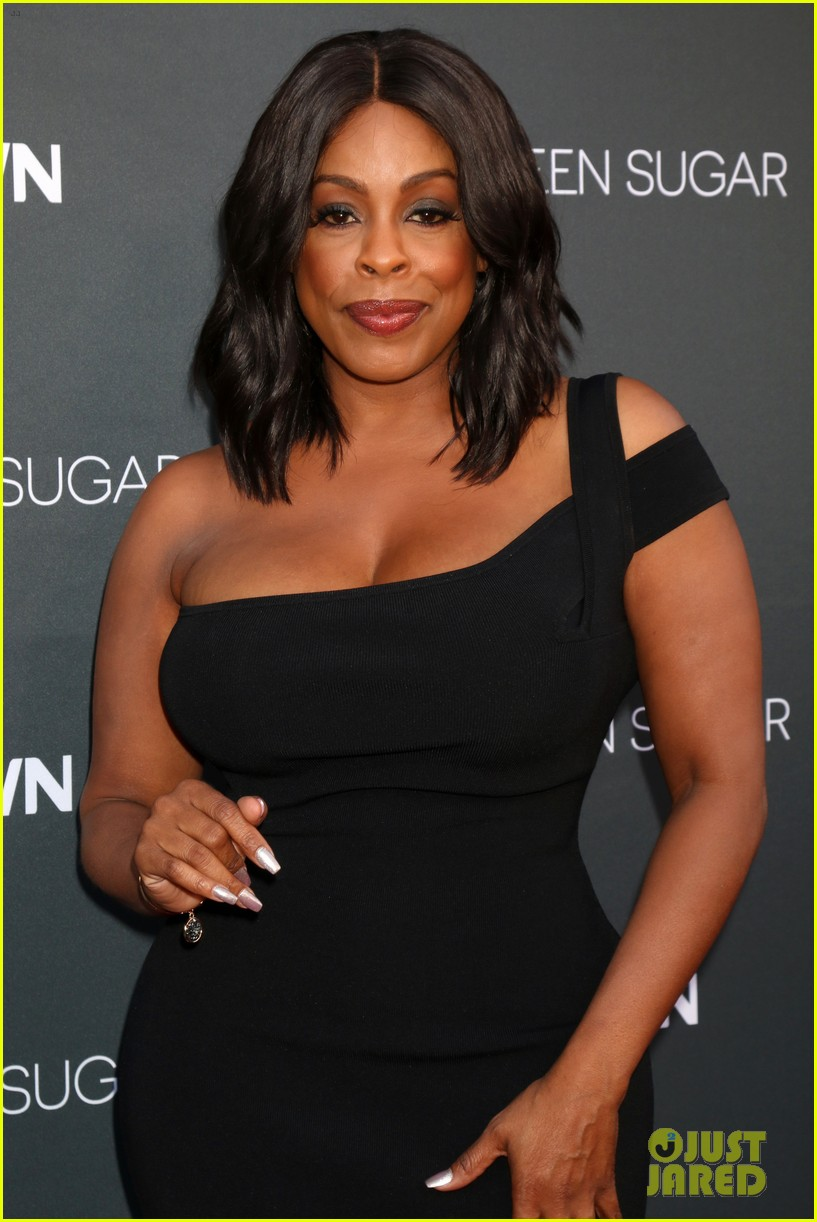 oprah winfrey teams up with ava duvernay at  u0026 39 queen sugar
